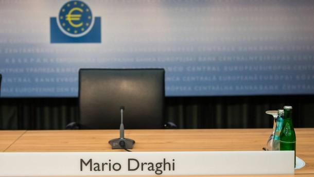 Ökonomen verteufeln Zinsobergrenzen durch die EZB