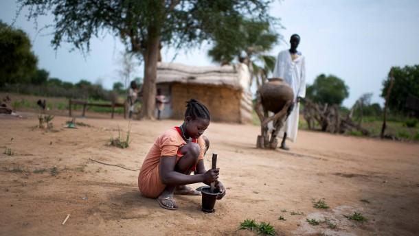 Mädchen machen viel unbezahlte Hausarbeit