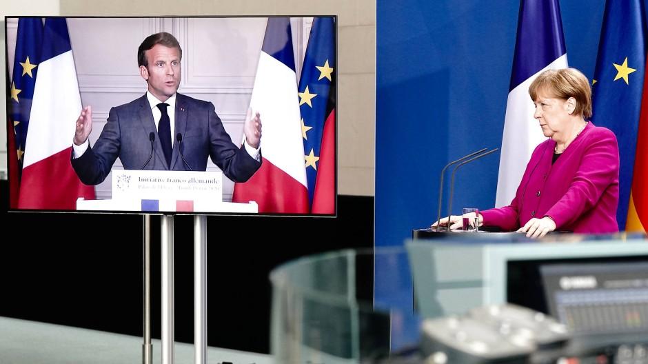 Frankreichs Präsident Macron und Bundeskanzlerin Merkel auf der Pressekonferenz im Mai 2020, in der sie den Europäischen Aufbaufonds vorschlugen.