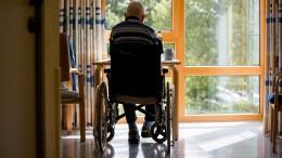 20.000 neue Stellen für Pflegehilfskräfte ab 2021