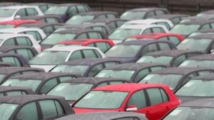 Hohe Benzinpreise bremsen Autoabsatz