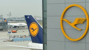 Lufthansa sondiert neue Billigflugangebote nach Asien