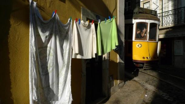 Portugal kommt immer schwerer an Geld