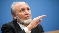 """""""Die deutsche Wirtschaft startet weniger skeptisch in den Frühling"""": Hans-Werner Sinn"""