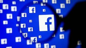 Kartellamt kündigt Schritte gegen Facebook an
