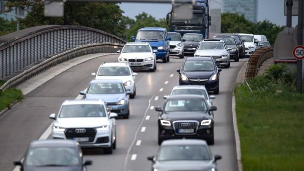 Studie: Autoherstellern drohen 3,3 Milliarden Euro Strafe von EU