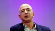 Jeff Bezos verteidigt seine auch auf Verlusten basierende Strategie.