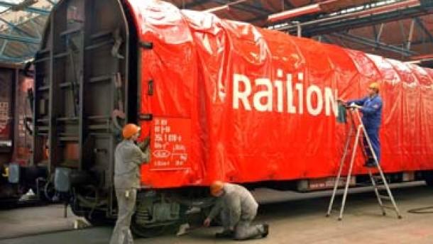 Bahn will fünf Milliarden Euro sparen und mehr Stellen abbauen