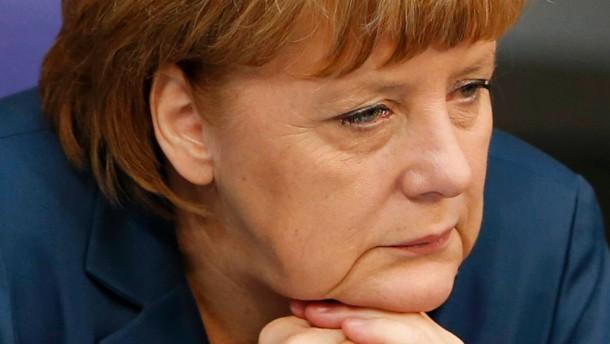 Merkel prüft Einschränkung von Selbstanzeigen
