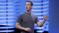 Mitarbeiter wenden sich gegen den Facebook-Chef Mark Zuckerberg.