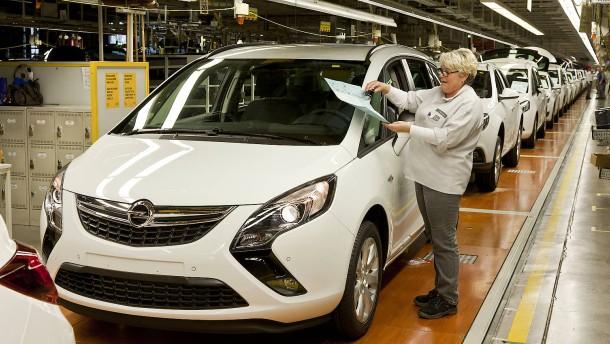 Opel fährt Produktion zurück