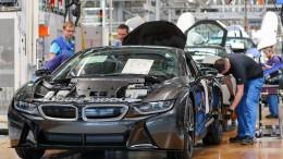 Junge Akademiker reizt weiterhin die Autoindustrie