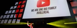 """""""Wir sind eine große Familie"""" - war ein Motto auf dem Youtuber-Treffen im vergangenen August in Köln."""