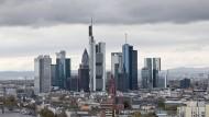 Finanzplatz Frankfurt: Deutsche Banken sollen Anlegern geholfen haben, Steuern in Millionenhöhe zu vermeiden.