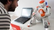 Kollege Roboter - eine Be- oder Entlastung?
