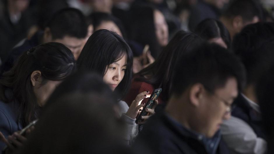 Handynutzung in China: Der Staat liest mit.