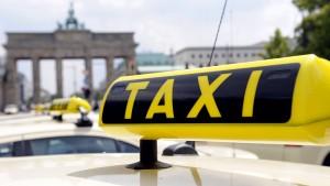 Taxifahrer protestieren gegen Konkurrenz aus dem Internet