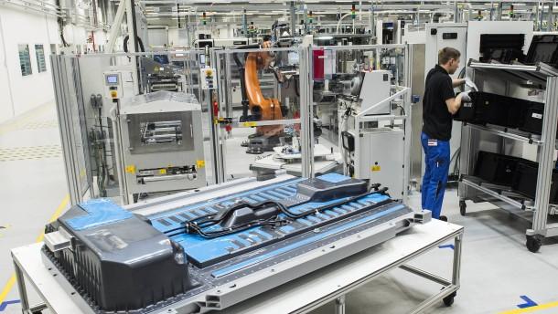 Daimler baut in Thailand weiteres Batteriewerk
