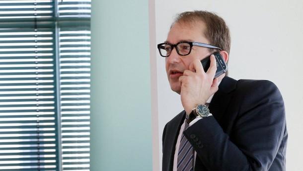 Dobrindt will Funklöcher bis 2018 stopfen
