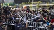 Hongkonger Polizei räumt Straßensperren von Aktivisten