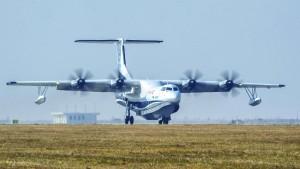Größtes Wasserflugzeug der Welt auf Jungfernflug