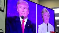 Trump und Clinton meiden die Wirtschaftsthemen