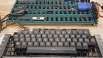 Dieser Apple-1 steht im Computermuseum in Kalifornien - ein früheres Modell wurde nun für 900.000 Dollar versteigert.
