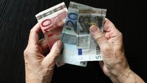 Arbeitgeber fordern höhere Riester-Förderung