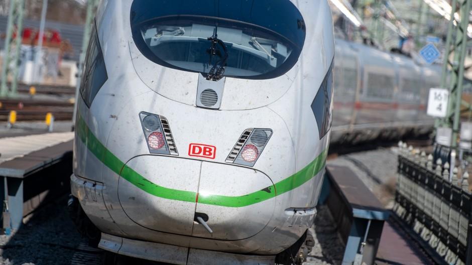 Fährt bald wahrscheinlich mal wieder gar nicht: Ein ICE der Deutschen Bahn
