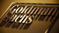 Platzwahl: Goldman Sachs will wegen des geplanten Brexit eine namhafte Zahl von Stellen von London nach Frankfurt verlagern