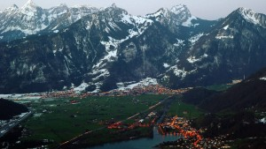Schweizer stimmen über die Abzockerinitiative ab