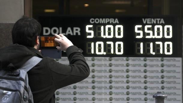 Argentinischer Peso verliert 15 Prozent
