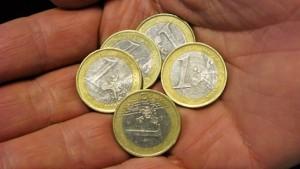 Warten auf fünf Euro mehr