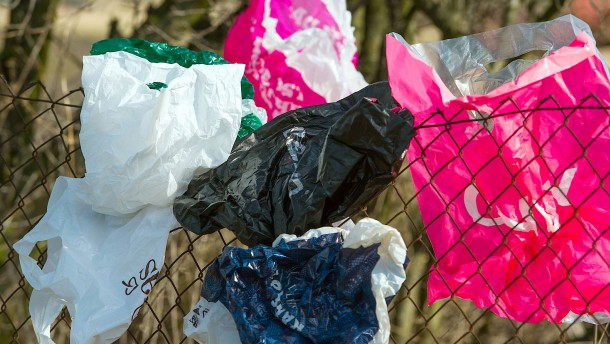 Konzerne wollen weniger Plastik