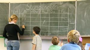 Fachleute raten: Lehrer nach Leistung bezahlen