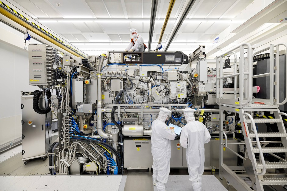 Montage einer Lithografie-Maschine von ASML zur Herstellung von Chips.