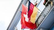 Steuerpolitiker kritisieren Schweizer Namens-Veröffentlichung
