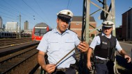 Vor vier Jahren: Bundespolizisten im Einsatz gegen Kupferdiebe.