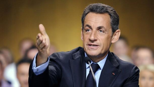 Frankreich erhöht Einsparungen nach IWF-Schelte