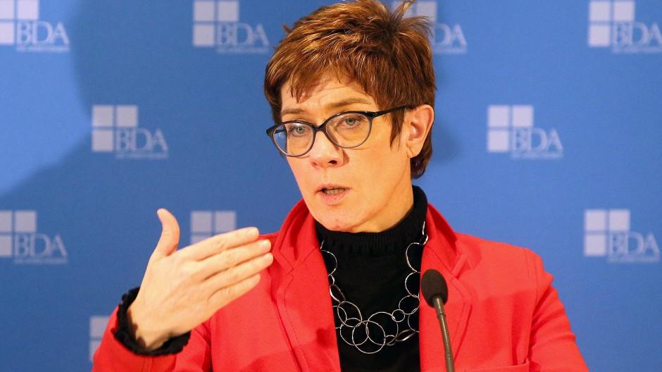 Annegret Kamp-Karrenbauer ist heute auf dem Weltwirtschaftsforum in Davos.