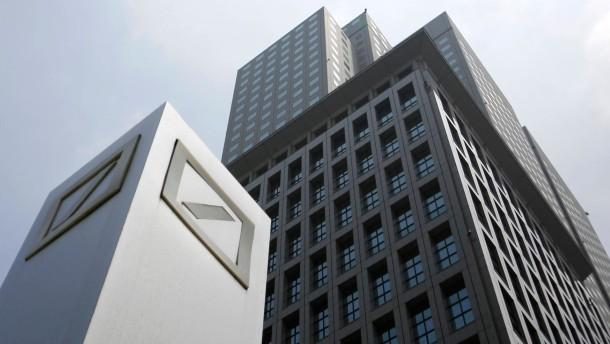 Deutsche Bank verdient im Investmentbanking mehr