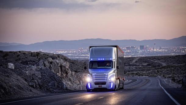 Daimlers Premiere mit selbstfahrenden LKW