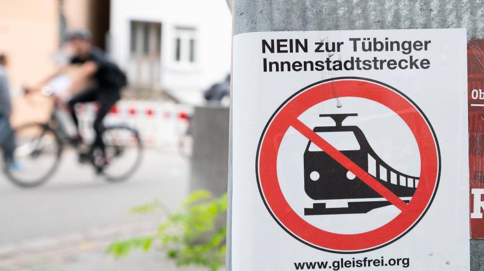 Protestaufkleber in der Tübinger Innenstadt