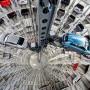 Mehr als 5,1 Millionen Autos hat Volkswagen in der ersten Jahreshälfte verkauft - und damit Toyota überholt.