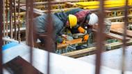 Auch das deutsche Baugewerbe bleibt zuversichtlich, zeigen die entsprechenden neuen Ifo-Zahlen.