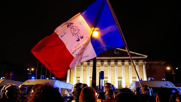 Französische Gewerkschaft droht mit einmonatigem Streik