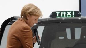 Merkel fordert Partnerschaft für Elektroautos