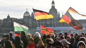 Wie Pegida Dresden schadet