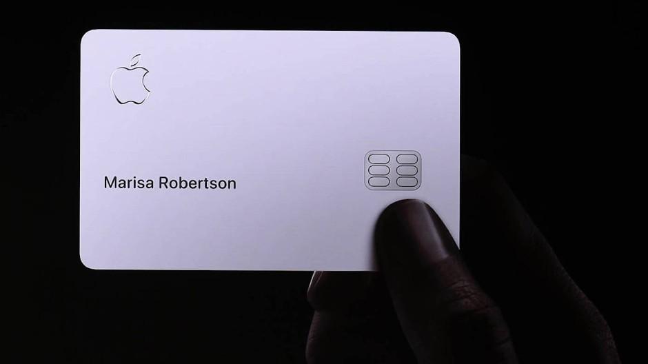 So sieht die Kreditkarte aus. Marisa Robertson leitet das Marketing bei Apple.