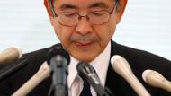 Kobe-Steel-Manager Naoto Umehara während der Pressekonferenz an diesem Montag in Tokio.